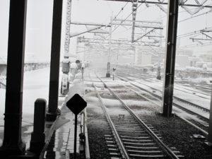 スプリンクラーによる線路融雪_1(著作者名:佐藤篤司)